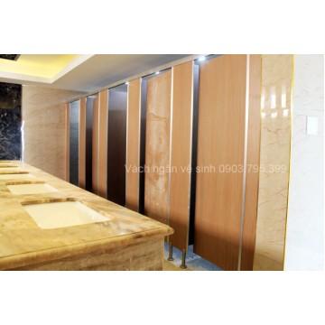 Vách ngăn vệ sinh compact HPL nhà hàng vườn cau 2